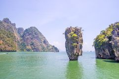 Roccia di Ko Tapu su James Bond Island Immagine Stock