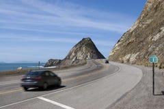 Roccia di Mugu della strada principale della costa del Pacifico Immagine Stock Libera da Diritti