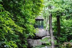 Roccia di Tarpeian nel parco Sofiyivka immagine stock