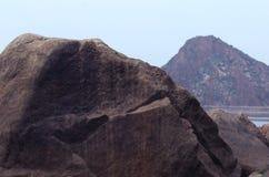 Roccia e collina Fotografie Stock