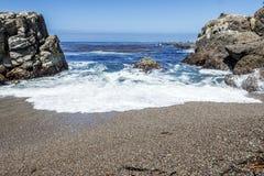 Roccia e formazioni geologiche insolite a bassa marea Fotografia Stock Libera da Diritti