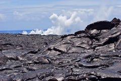Roccia e fumo della lava Fotografia Stock Libera da Diritti