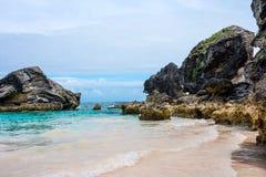Roccia e mare delle Bermude Fotografia Stock