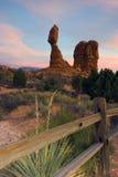Roccia equilibrata Fotografie Stock