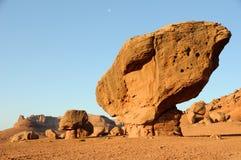 Roccia equilibrata - monumento nazionale delle scogliere Vermilion Immagini Stock