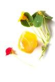 Roccia fatta a mano arancio del sapone con i fiori di estate fotografia stock libera da diritti