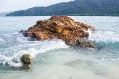 Roccia in mare Immagine Stock
