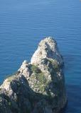 Roccia nel Mar Nero Immagini Stock Libere da Diritti