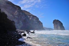 Roccia nell'oceano Fotografie Stock Libere da Diritti