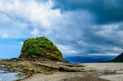 Roccia Pagudpud Filippine di Timmangtang Fotografia Stock
