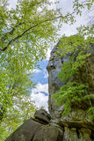 Roccia rampicante dello scalatore maschio Fotografie Stock