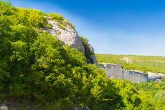 Roccia sopra il canyon Immagini Stock Libere da Diritti