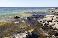 Roccia sotto acqua libera Fotografia Stock Libera da Diritti