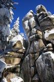 Roccia sotto l'azzurro Fotografia Stock Libera da Diritti