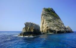 Roccia sul litorale all'isola della Zacinto Fotografia Stock
