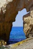 Roccia sul litorale all'isola della Zacinto Immagini Stock
