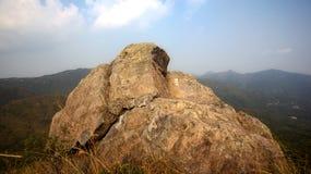 Roccia sulla montagna Fotografie Stock