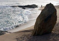 Roccia sulla spiaggia immagine stock libera da diritti