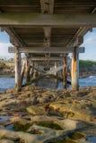 Roccia sulla spiaggia Fotografia Stock Libera da Diritti