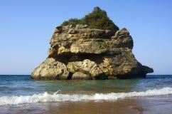 Roccia sulla spiaggia all'isola della Zacinto Fotografia Stock Libera da Diritti