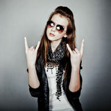 Roccia teenager della ragazza Immagine Stock