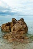 A rocha é inThailand interno grande Imagens de Stock Royalty Free