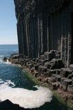Rocha ígnea na entrada à caverna de Fingal. Imagens de Stock Royalty Free