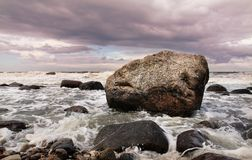 Rocha & água Imagens de Stock