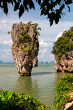 Rocha de Ko Tapu em James Bond Island, baía de Phang Nga, Tailândia Fotografia de Stock Royalty Free