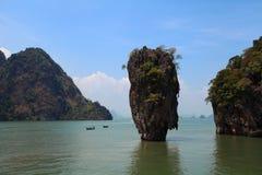 Rocha de Ko Tapu na ilha de James Bond Imagens de Stock