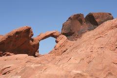 Rocha do arco no vale do incêndio, Nevada imagens de stock