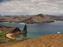 Rocha do pináculo, ilha de Bartolome, arquipélago de Galápagos Fotos de Stock Royalty Free