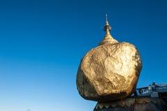 Rocha dourada Foto de Stock Royalty Free