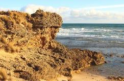 Rocha e oceano, Austrália Imagens de Stock Royalty Free
