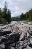 Rocha e rio Fotos de Stock Royalty Free