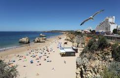 rocha för da-portimaoportugal praia Royaltyfria Bilder