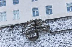 Rocha na borda da parede da fortaleza Fotos de Stock