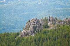 Rocha nas montanhas Fotos de Stock