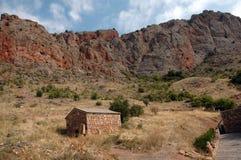 Rocha perto do monastério armênio do século XIII de Noravank imagem de stock