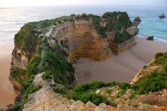rocha praia algarve da Стоковое Фото