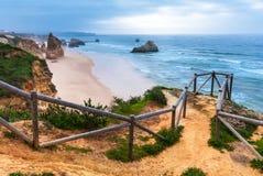 rocha praia DA Πορτογαλία στοκ φωτογραφία