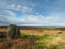 A rocha solitário com vistas sobre amarra Fotos de Stock