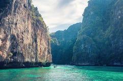 Rochas tropicas da ilha do mar Fotos de Stock