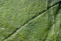 Rocha verde - rachadura diagonal Foto de Stock