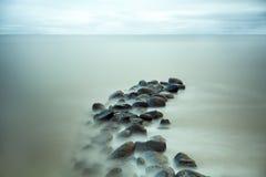 Rochas bonitas no mar Foto de Stock