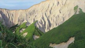 Rochas brancas Ilha de Iturup vídeos de arquivo