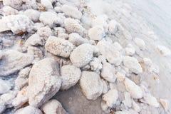 Rochas com sal no Mar Morto imagens de stock royalty free