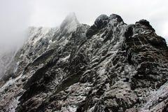 Rochas congeladas em montanhas de Fagaras Fotografia de Stock