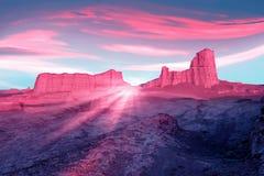Rochas cor-de-rosa no deserto contra um céu azul bonito com nuvens Raios da luz cor-de-rosa Conceito estrangeiro do planeta Deser Fotografia de Stock Royalty Free
