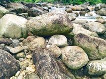 Rochas da cachoeira de Kiriwong, Nakhonsithammarat, Tailândia fotografia de stock